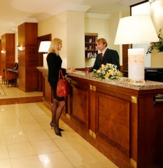 Hotel-Registration-Desks-02