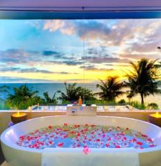 Hotel-bath-tub-jacuzzi-11