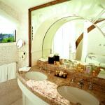 Hotel-bathroom-sinks-10